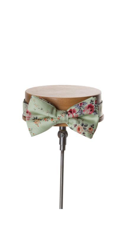 Tea rose bow tie-green
